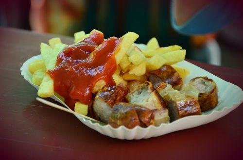 ketchup french fries currywurst
