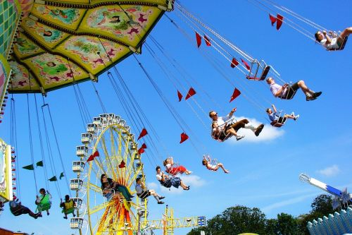kettenkarusell carousel year market