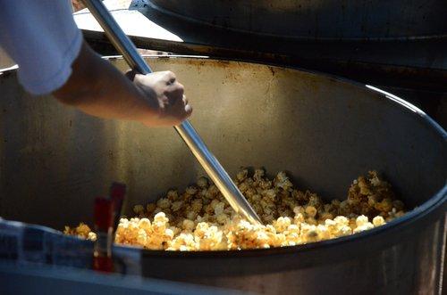 kettle corn  popcorn  kettle