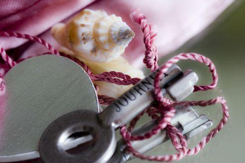 key metal arts crafts