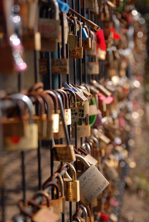 key lover oath fence trust