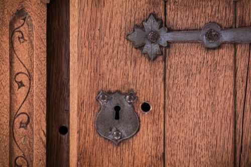 key hole hole door