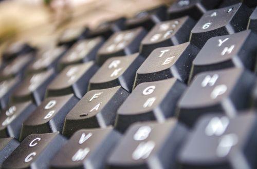 keyboard debris dust keyboard