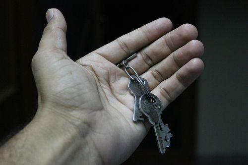 keys hand open