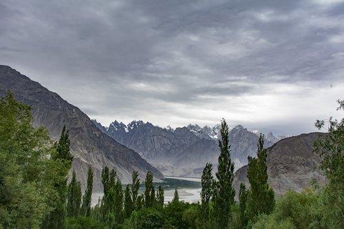 khaplu  mountains  gb