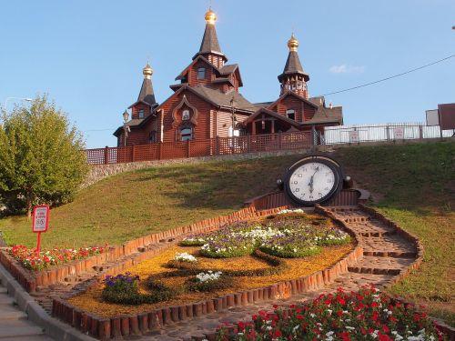 kharkovas,bažnyčia,medinė bažnyčia,laikrodis,geliu lova,sarzhyn yar,šventykla,architektūra,geras oras,miestas