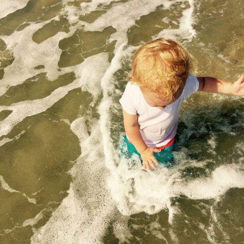 kid summer beach