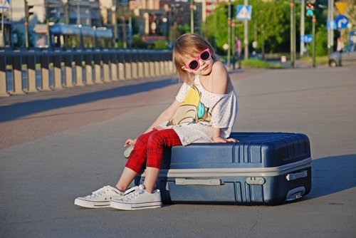 kids  vacation  suitcase