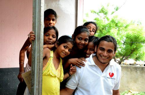 vaikai,Indija,savanoriai