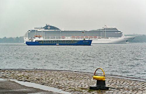 kieler firth harbour entrance cruise ship