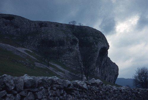 kilnsea crag yorkshire  yorkshire dales  a rainy day in yorkshire