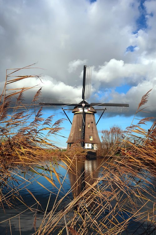 kinderdijk  mill  netherlands