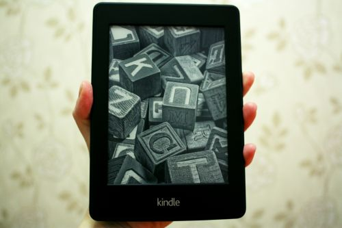 kindle paper white touchscreen