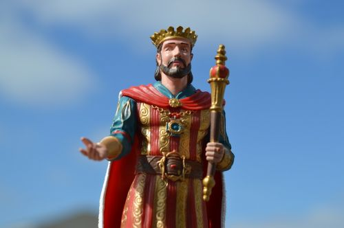 king ruler leader