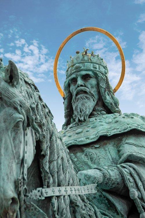 king matthias  statue  bronze