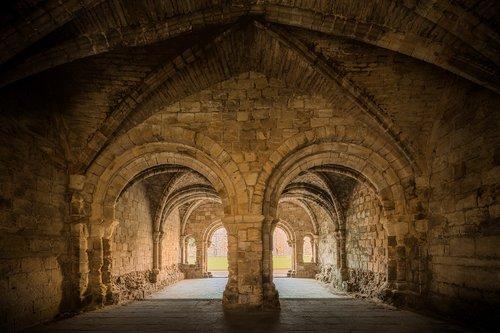 kirkstall abbey  kirkstall  abbey