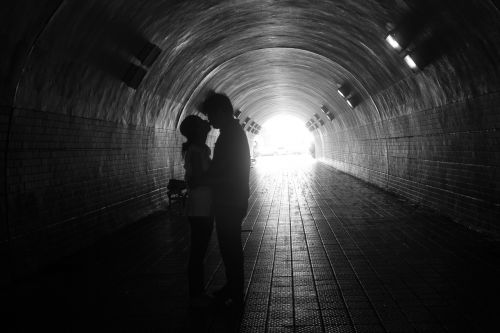 kiss backlight tunnel