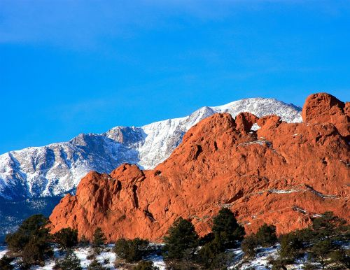kissing camels pikes peak mountains