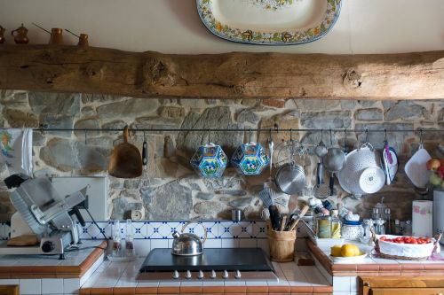 kitchen tuscan wooden beams
