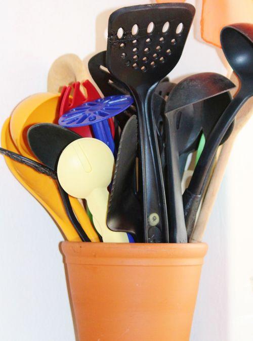 kitchen appliances spoon pancake