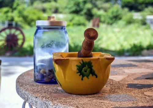 kitchen utensil  all i oli  mortar