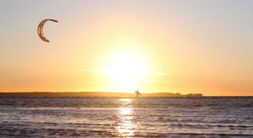 kite kiteboard kiteboarding