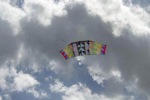 kite  sky  clouds