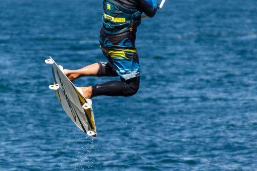 kite surfing kitesurfing water sports