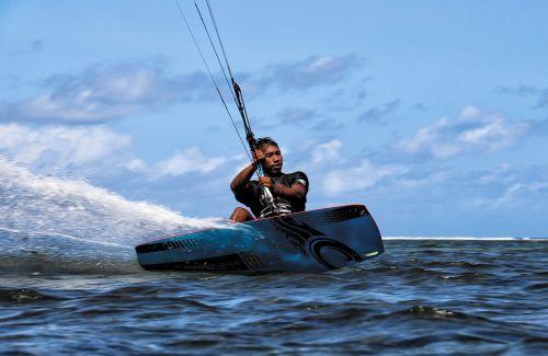 kite surfing bali sanur