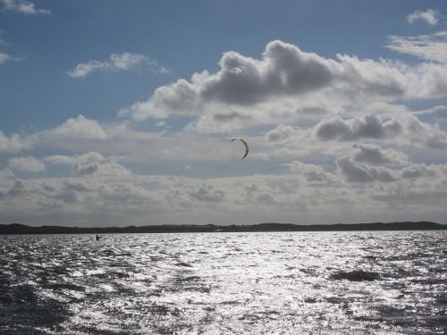 kite surfing kitesurfer kiteboarding