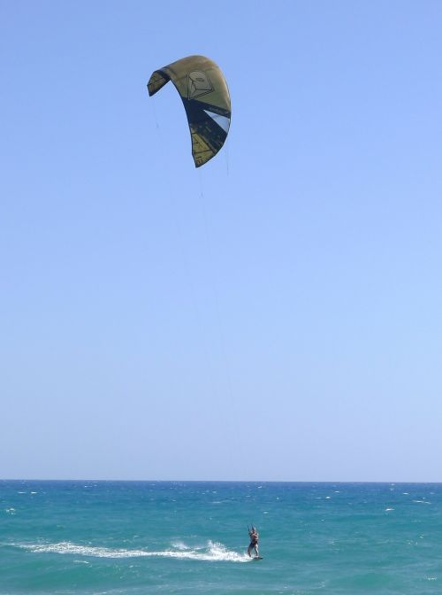kitesurfer sports sea