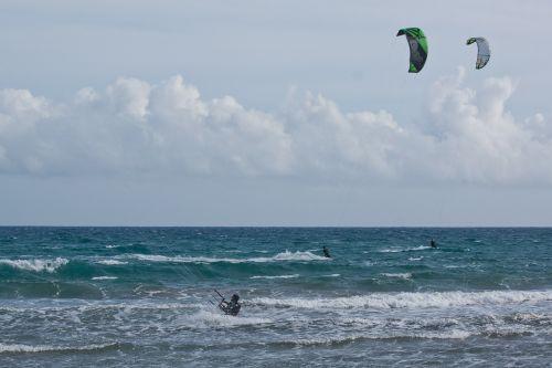 kitesurfer kite surfing kiters