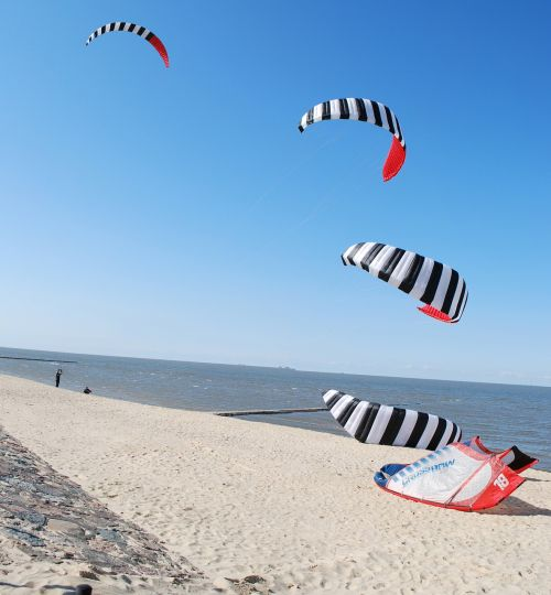kitesurfer kite surfing beach