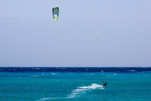 kitesurfing sport sea