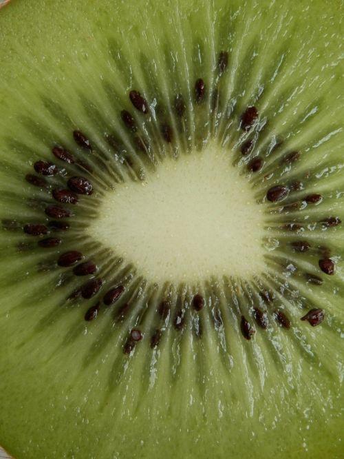 kiwi fruit cores
