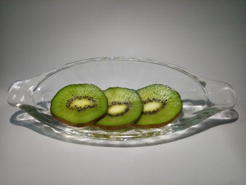 kiwi kiwi slices glass