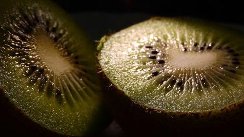 kiwi seeds apple core