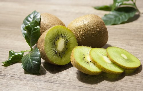 kiwi  fruit  foodstuffs