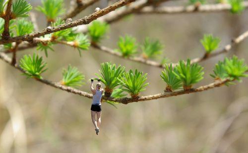 klimzüge miniature woman