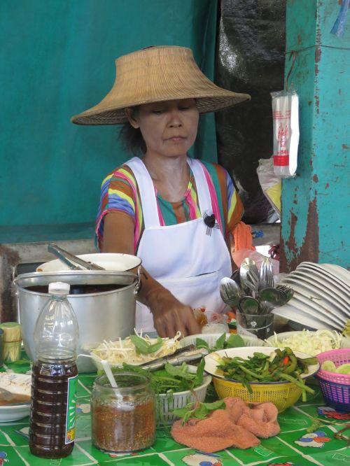 klong toey market bangkok slum