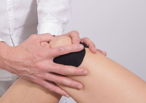 knee taping massage