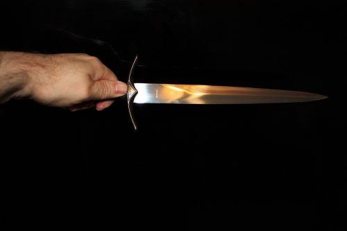 knife dagger weapon