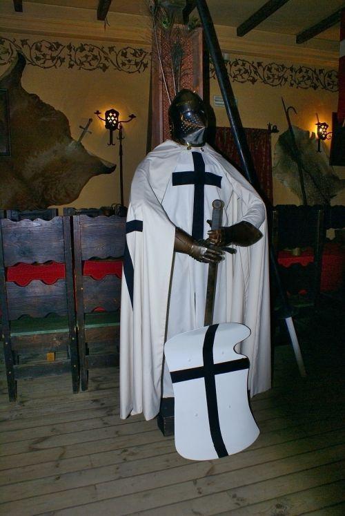 knight araneus armor