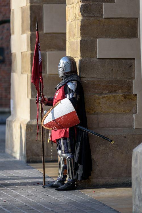knight armor armament