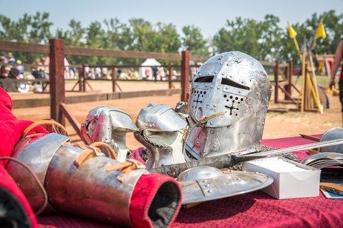 knight  armour  sword