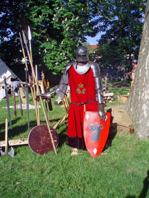 knight,armor,middle ages,ritterruestung,armor knight,historically,free photos,free images,royalty free