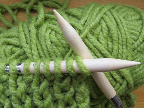 knit knitting needles cat's cradle