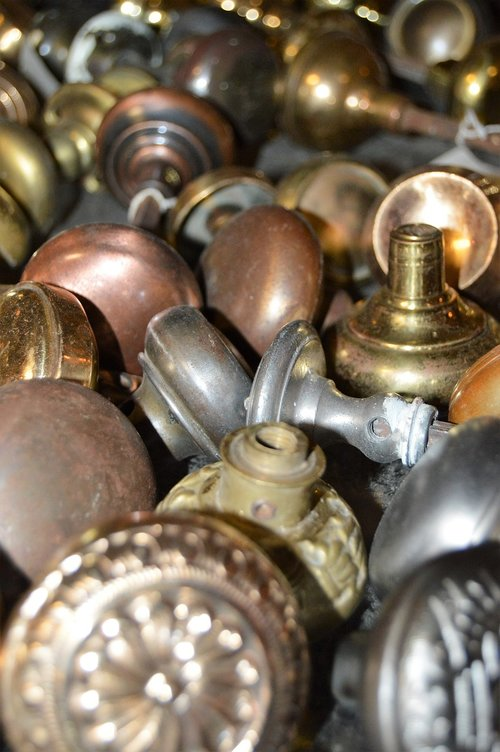 knobs  pile  architecture