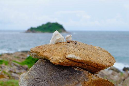 koh samet stone strong falling