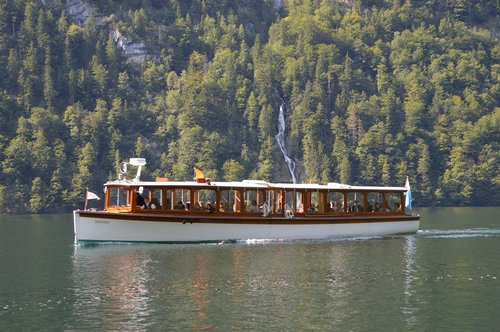 königssee  electric boat  water